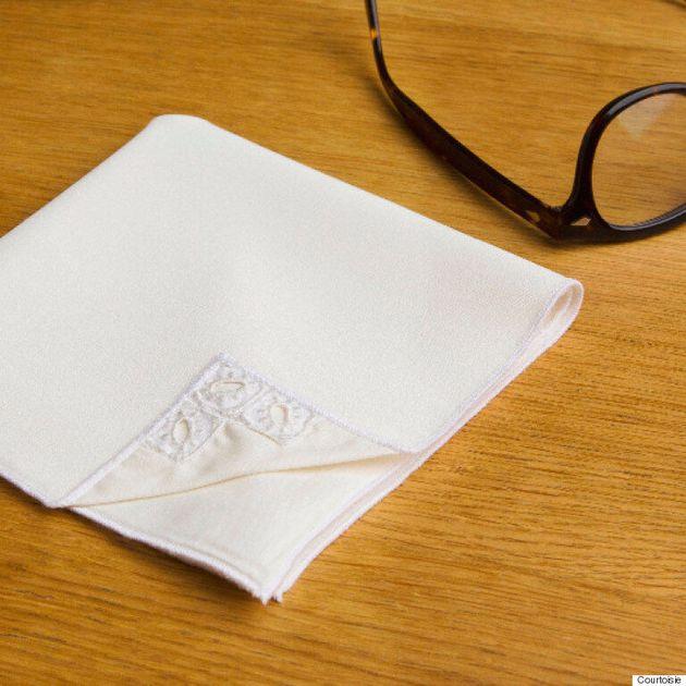 Le mouchoir en tissu québécois TSHU fait son entrée au panthéon de la mode: Colette à