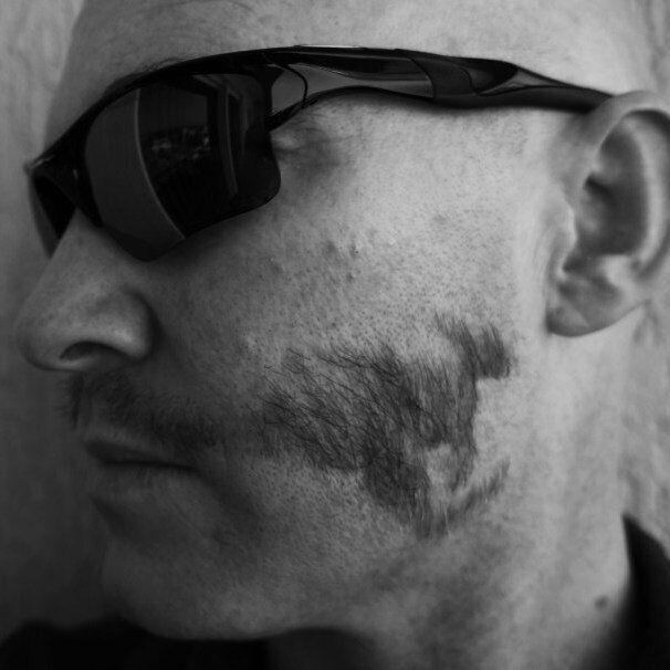 Les moustaches les plus insolites de Movember 2014