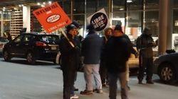 Cols blancs en grève générale: stationnement gratuit à Montréal