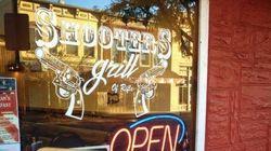 Un restaurant du Colorado invite ses serveuses à travailler avec des armes