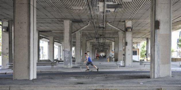 Se balader sous l'autoroute 40 : le rêve fou de jeunes
