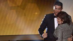 La maman de Ronaldo avait le sac à main trop
