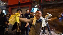 Hong Kong: charge de la police contre une