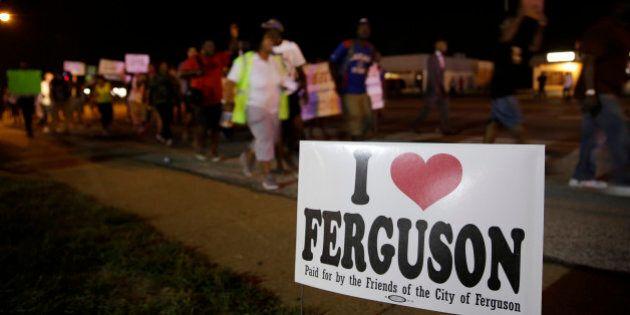 Nuit calme à Ferguson alors que la Garde nationale quitte la