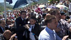 Srebrenica: cible de jets de pierre, le PM serbe fuit les commémorations