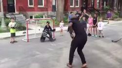 Un invité de marque dans un match de hockey de rue à
