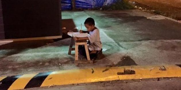 Grâce à cette photo sur Facebook, cet enfant philippin va réaliser son rêve: