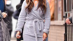 Jennifer Lopez fait une sortie en peignoir