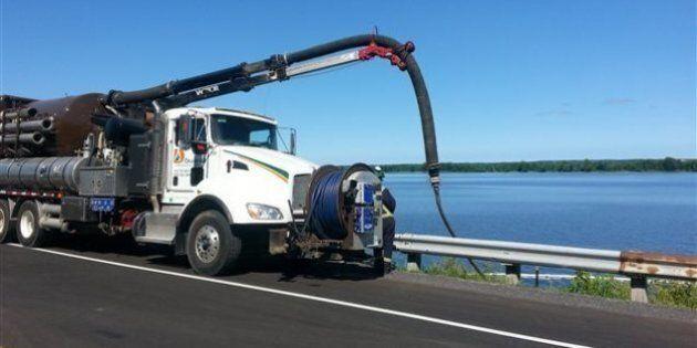Important déversement de diesel dans la rivière des