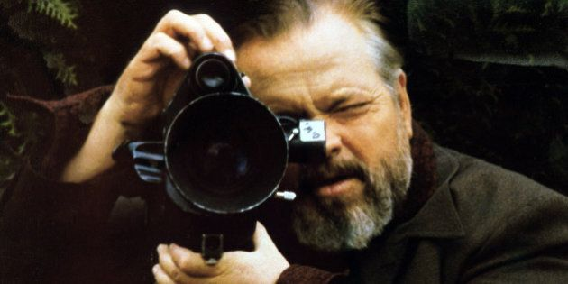 UNSPECIFIED - : Orson Welles on the set of 'Verites et mensonges' ('F For Fake' or 'Truths and Lies'),...