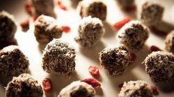 Rocher au cacao cru et baies de