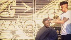 Il passe ses dimanches à couper les cheveux des sans-abri de New