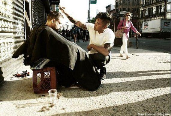 À New York, un coiffeur coupe gratuitement les cheveux des