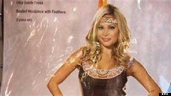 Des costumes d'Halloween choquent une femme