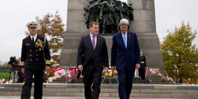 John Kerry rend hommage aux soldats canadiens