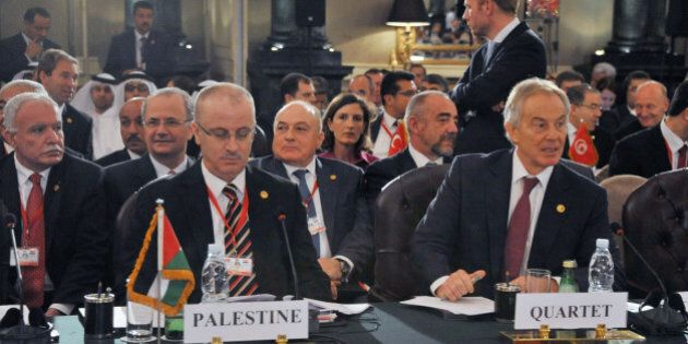 CAIRO, EGYPT - OCTOBER 12: Palestinian Prime Minister Rami Hamdallah (L) and Middle East Quartet Envoy...