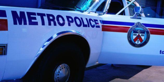 Toronto: trois policiers accusés de viol collectif suspendus avec
