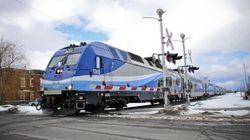 Trains de banlieue: service interrompu sur trois