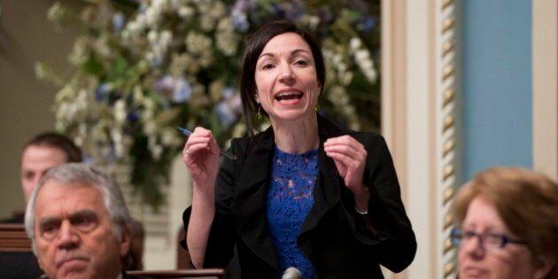 PQ: Martine Ouellet va proposer un référendum dans un premier