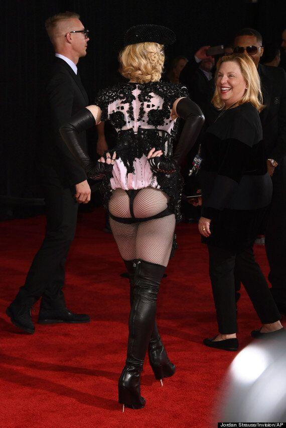 Grammy Awards 2015: Madonna montre ses fesses sur le tapis rouge