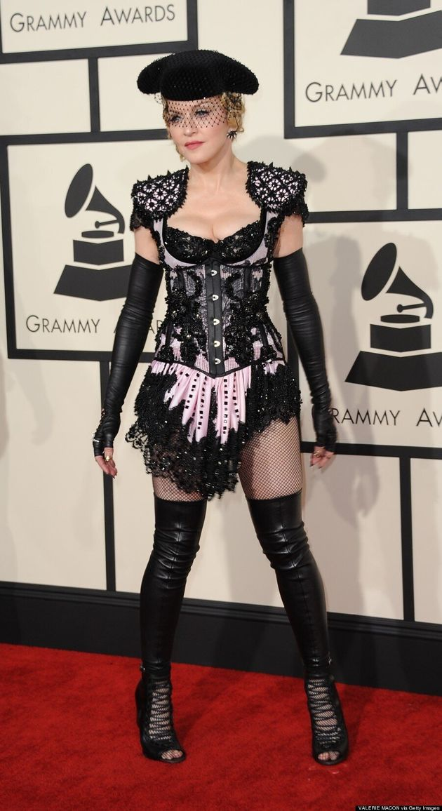 Tapis rouge des Grammy 2015: la tenue de Madonna inspirée de «50 nuances de