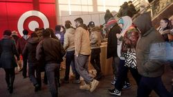 Déçus des économies réalisées, des clients poussent des employés de Target au bout du