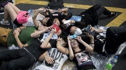 Manifestation monstre pour la paix après les violences, nouveaux heurts avec la police à