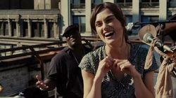 Keira Knightley chante