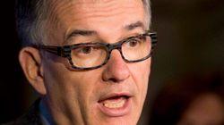 Le ministre de la Santé Gaétan Barrette insulte son