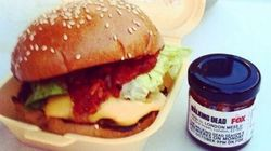 The Walking Dead saison 5: le hamburger au goût de chair humaine servi à Londres ravit les
