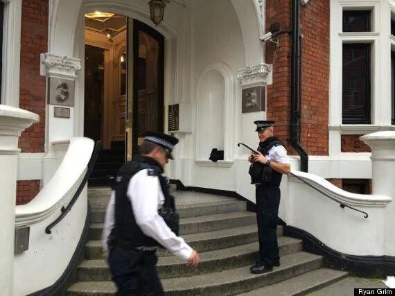 Julian Assange riposte face à Eric Schmidt et le «colonialisme digital» de