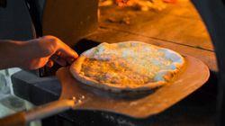 Un couple débourse 140 dollars pour une pizza de rêve devant le Super