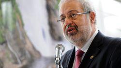 Hausse des tarifs d'Hydro-Québec: Pierre Arcand se dit préoccupé, mais n'intervient