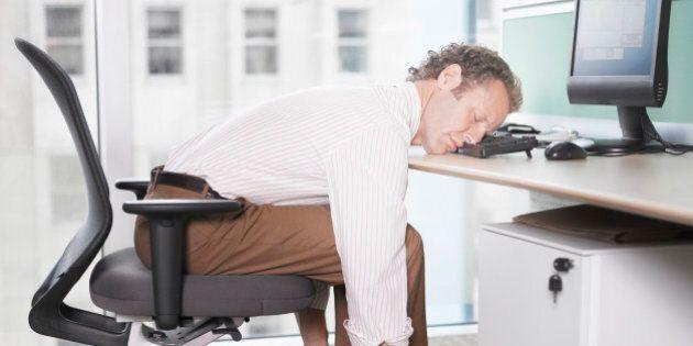 Rester assis trop longtemps peut être mortel à long terme, selon une