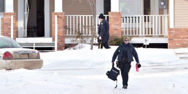 Le suspect qui aurait tiré sur des policiers en Alberta