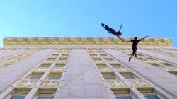 Ils dansent la valse sur les murs d'un immeuble