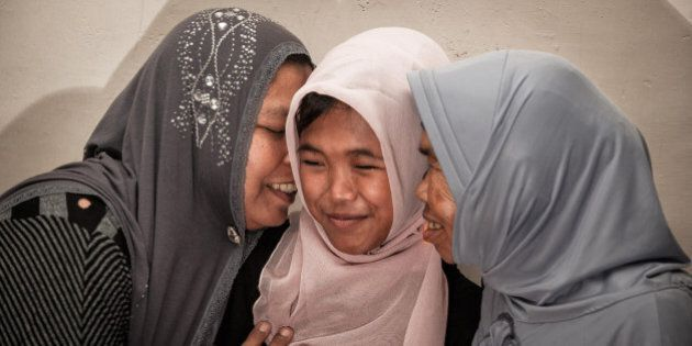 Tsunami en Indonésie: un couple d'Indonésiens retrouve sa fille dix ans