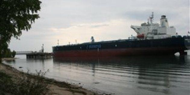 Le transport du pétrole des sables bitumineux commence sur le