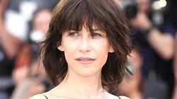 Sophie Marceau «dévoile» sa petite culotte sur le tapis rouge du Festival de