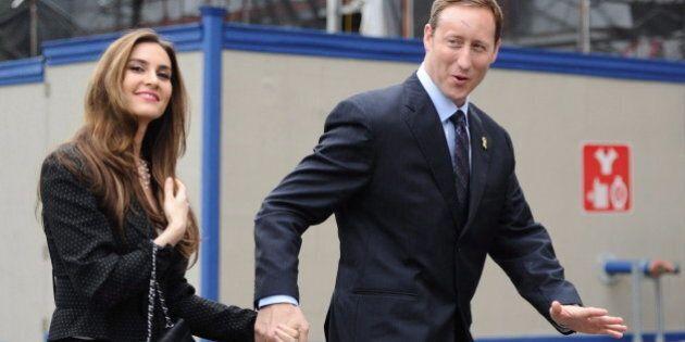 Controverse sur les femmes juges: l'épouse de MacKay prend sa