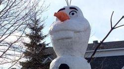 Un bonhomme de neige de 20 pieds pour une bonne