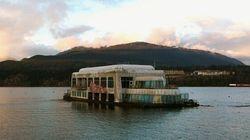 Découvrez le McDonald's flottant abandonné de Vancouver