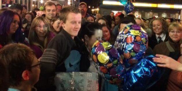 Odin Camus, un adolescent autiste, a ému Internet, qui lui a offert un anniversaire