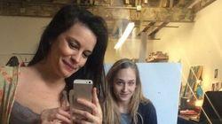 Enceinte, Liv Tyler pose à moitié nue