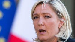 Le Front national, meilleurs ennemis de Charlie Hebdo, veut lui rendre
