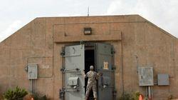 Un tireur se trouve dans un hôpital militaire du