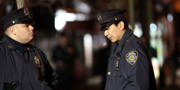 Tuerie à New York: la famille de Michael Brown condamne l'acte du