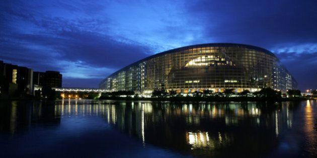 Terrorisme: Le Parlement européen gèle l'accord PNR avec le