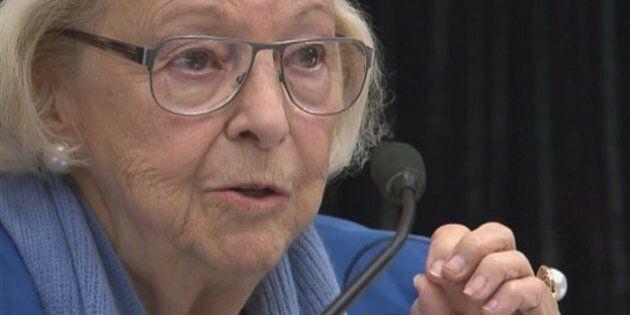 Lise Payette critique vivement le gouvernement