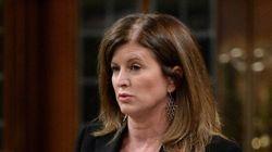 Ebola: Ottawa impose de nouvelles restrictions aux
